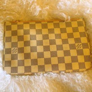 Louis Vuitton Cream/Gray Small Clutch/Makeup case
